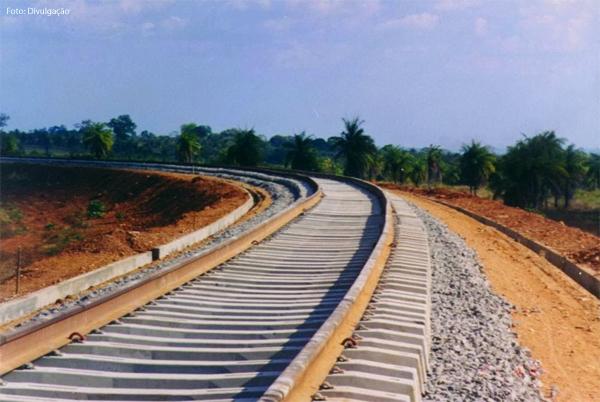 ferrovia-norte-sul-dentro