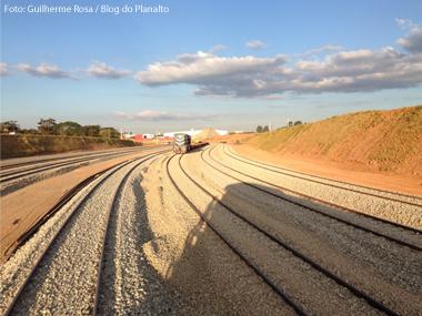 Bahia firma acordo para construção de porto e ferrovia com chineses