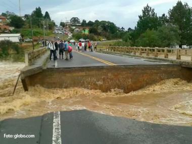 Paraná pede dinheiro à União para recuperar rodovias destruídas pelas chuvas