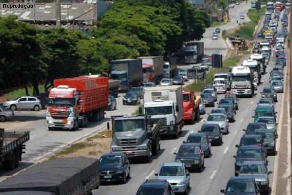 Fernão Dias-br 381-congestionamento-saída para vitória