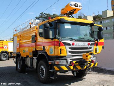 Scania fornece caminhões de combate a incêndio para aeroportos brasileiros