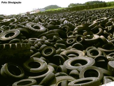 No Brasil, 445 mil toneladas de pneus foram retiradas do meio ambiente em 2014