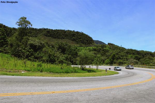 rj116-rodovia-paisagem
