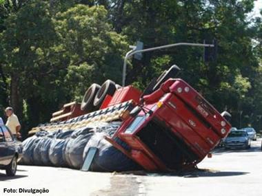 Trânsito brasileiro mata mais que guerra entre Palestina e Israel