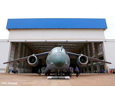 Embraer apresenta maior aeronave de transporte militar desenvolvida no Brasil