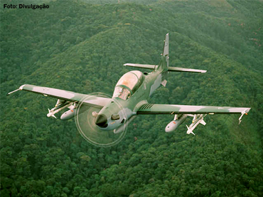 SNC e Embraer apresentam primeiro A-29 Super Tucano fabricado nos Estados Unidos