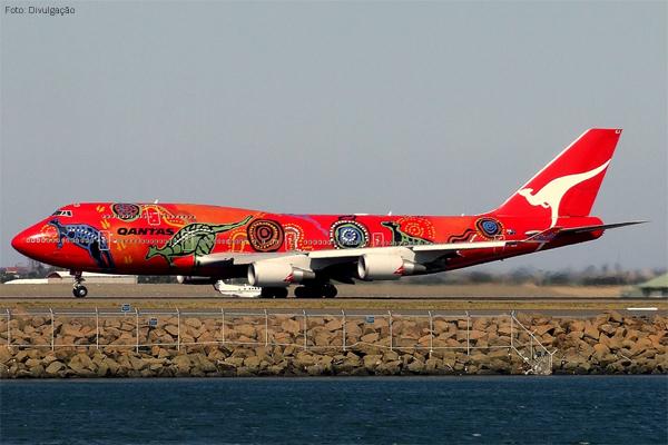 qantas-aviao-colorido