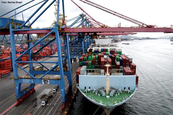 santos-brasil-navio