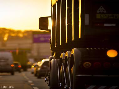 Programa ajuda caminhoneiro a buscar trabalho