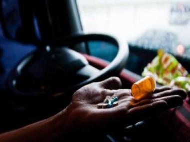 Um em cada três caminhoneiros usa drogas, revela teste inédito no Brasil
