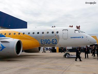 Embraer apresenta maior jato produzido no Brasil