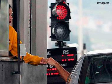 Motorista pode ficar isento de pedágio por 20 minutos