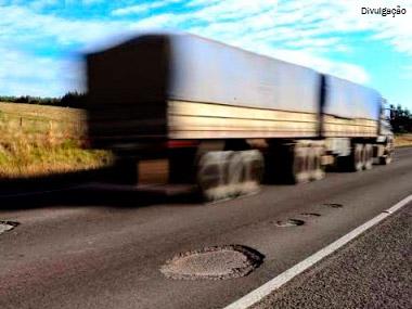 Deputados definem frete mínimo para o transporte rodoviário