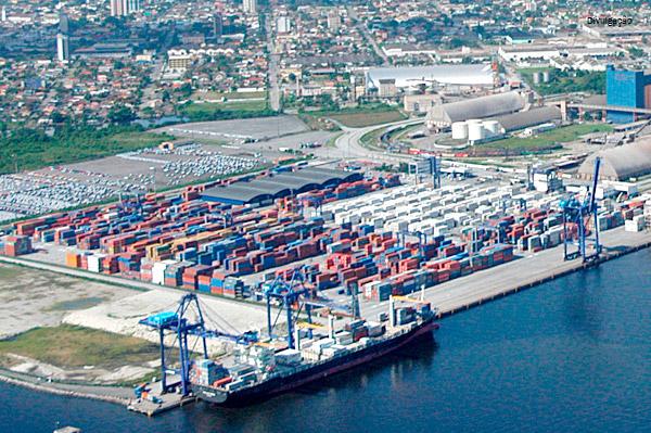Movimentação de cargas nos portos brasileiros cresce 2,32% entre janeiro e maio de 2017