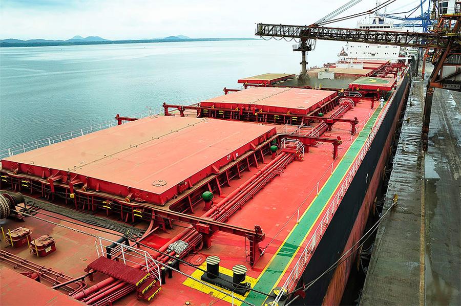 Porto de Paranaguá (PR) recebe sua maior operação graneleira da história