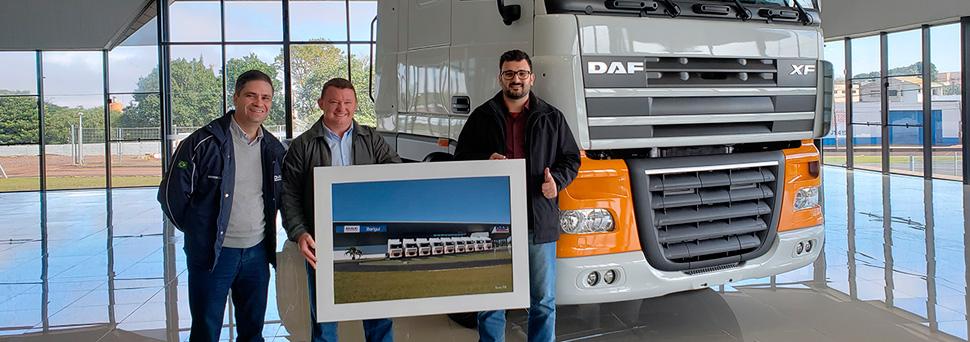 Cliente paranaense comemora parceria com a DAF