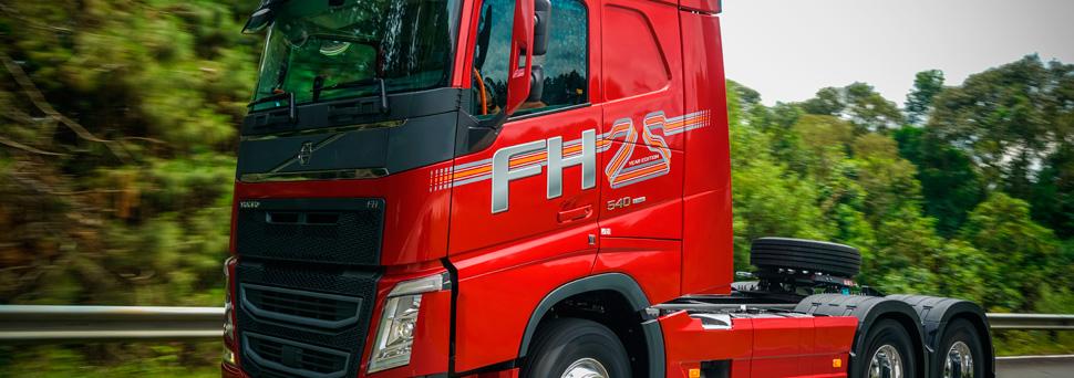Volvo FH comemora 25 anos de história