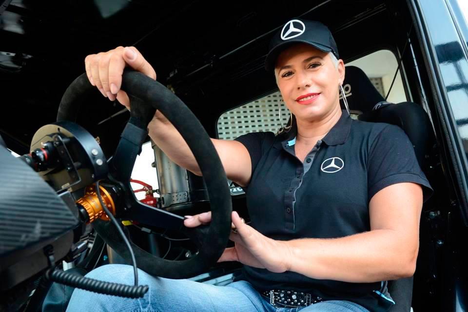 Débora Rodrigues agora é Mercedes-Benz na Copa Truck