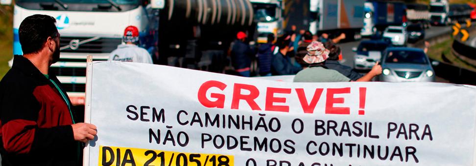 Caminhoneiros ameaçam nova paralisação e Petrobras anuncia preço fixo do diesel