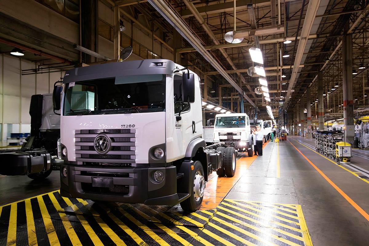 Vendas de caminhão e ônibus ultrapassam os 50%