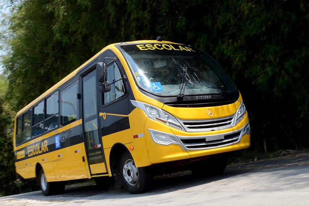 Caminho da Escola ganha mais de 800 ônibus MB