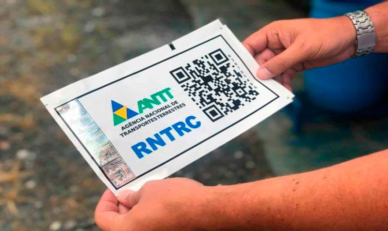 Registro RNTRC: adesivo não é mais obrigatório