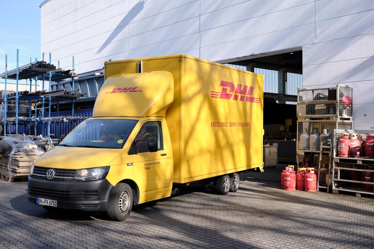 """DHL mostra a """"arte"""" de transportar na Europa e Ásia"""