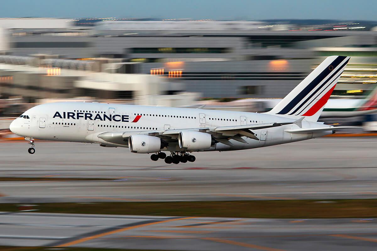 """Air France começa a dizer """"au revoir"""" aos gigantes Airbus A380"""