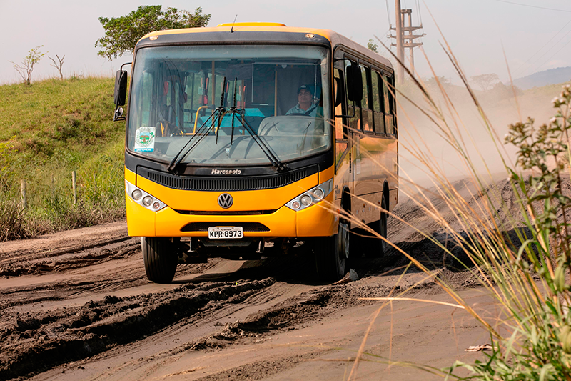 Volkswagen chega a 20 mil ônibus no programa Caminho da Escola