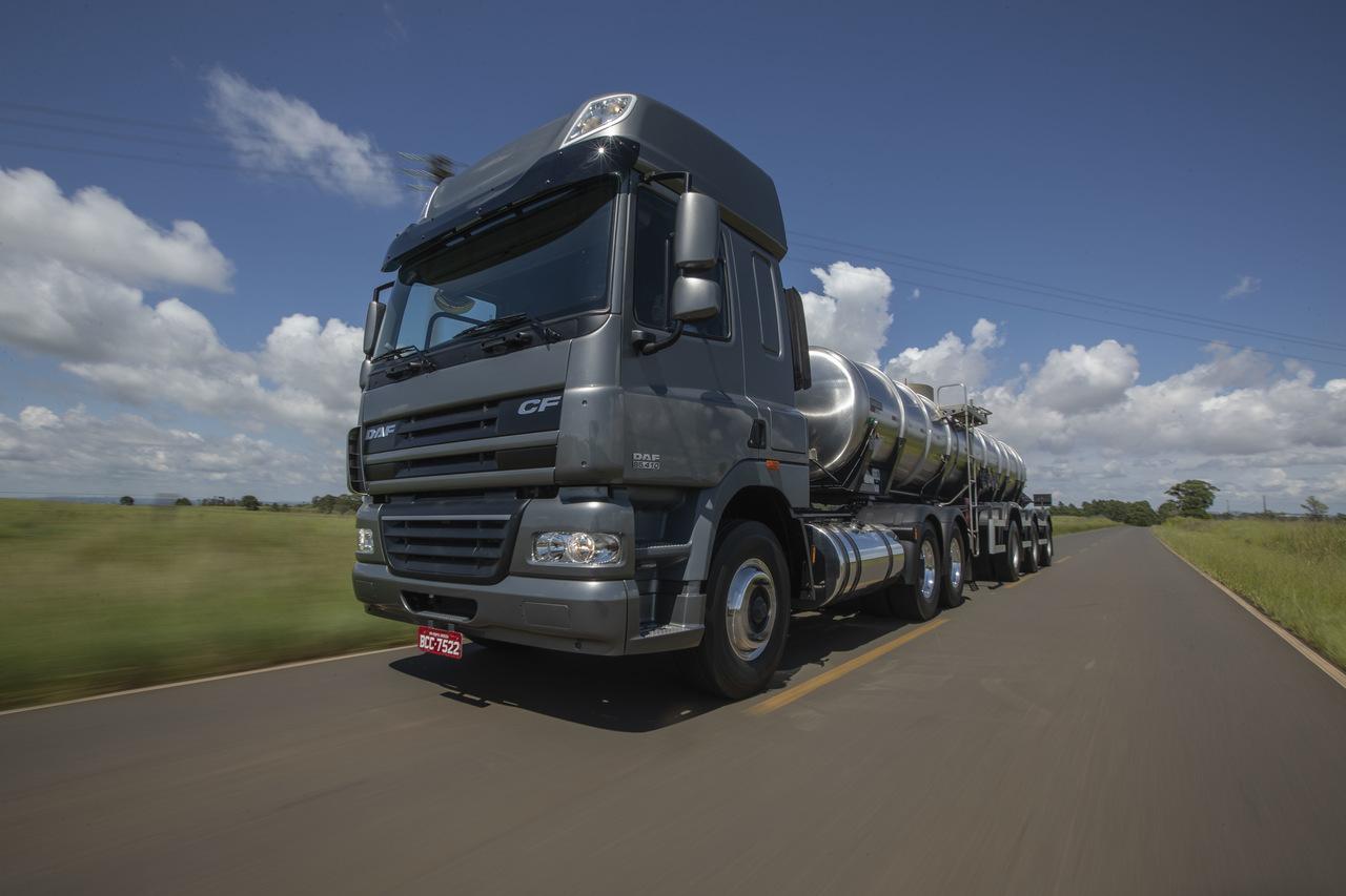 DAF expõe linha completa CF, LF e XF105 especial