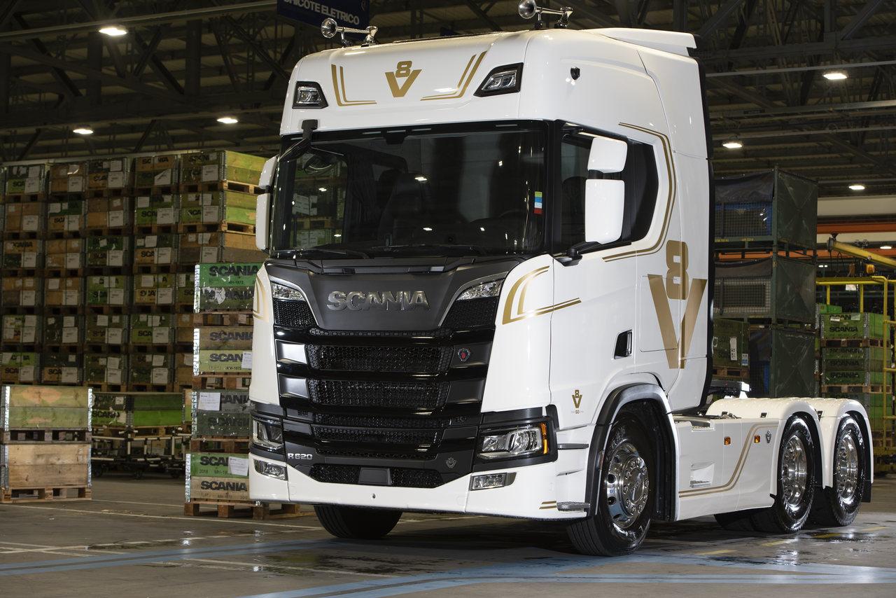 Scania V8 especial 50 anos é sonho de caminhoneiro