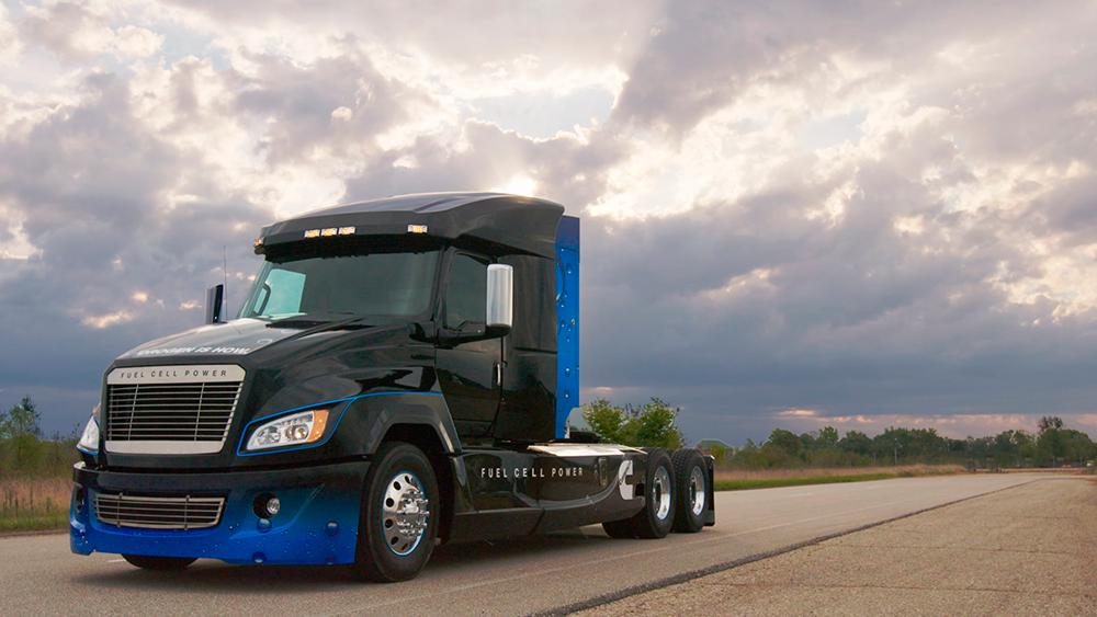 Cummins apresenta caminhão com célula de combustível a hidrogênio