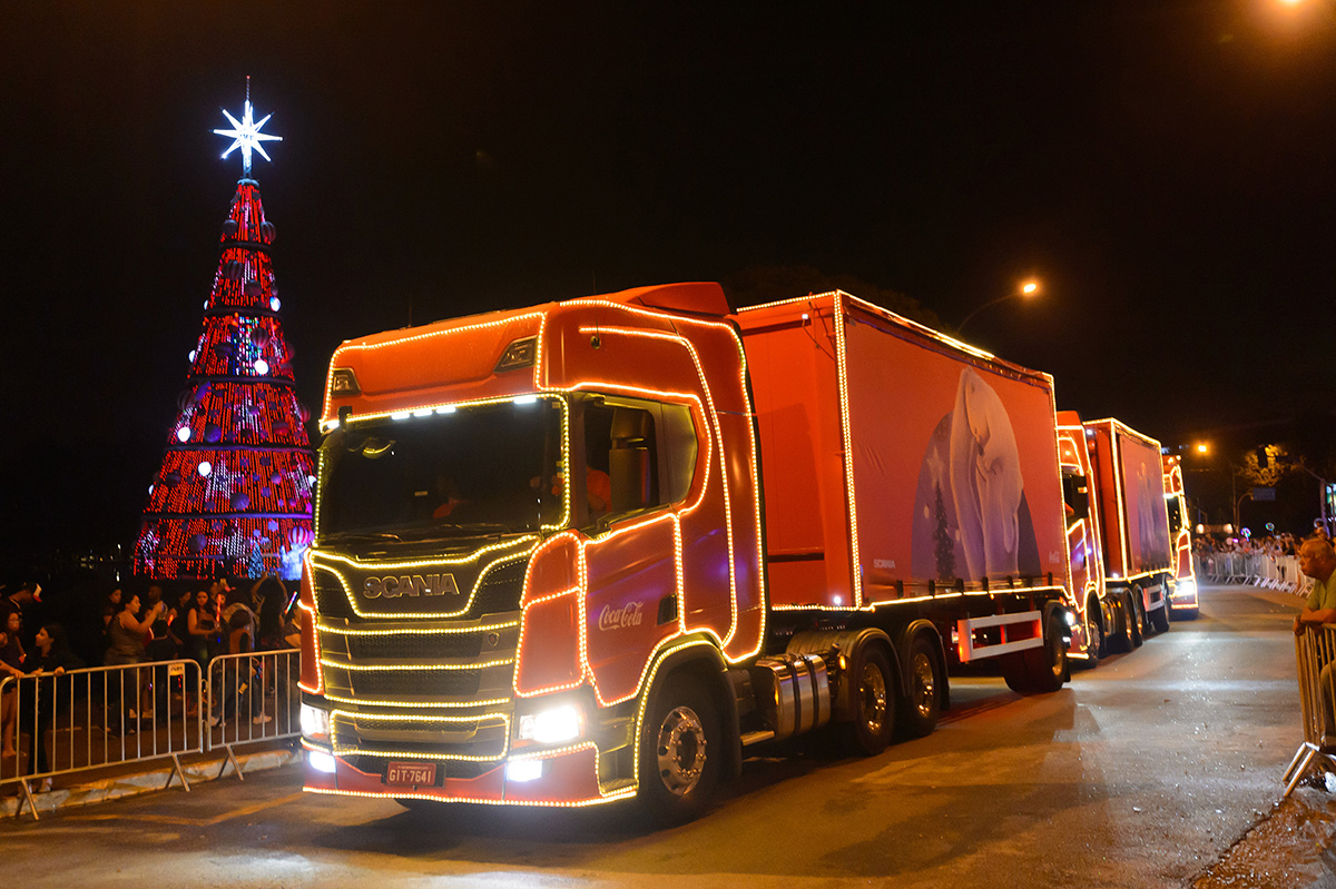 Scania leva alegria a 46 cidades brasileiras na Caravana de Natal