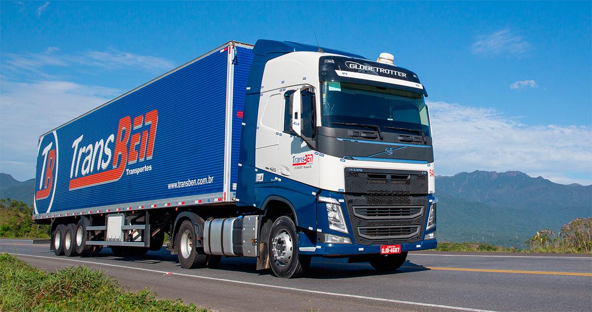 Transportadora catarinense faz megacompra de caminhões Volvo