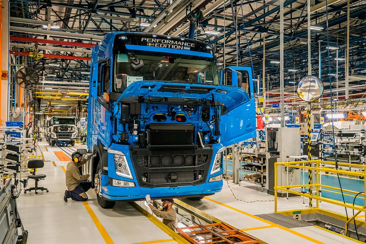 Volvo faz aposta bilionária no mercado brasileiro