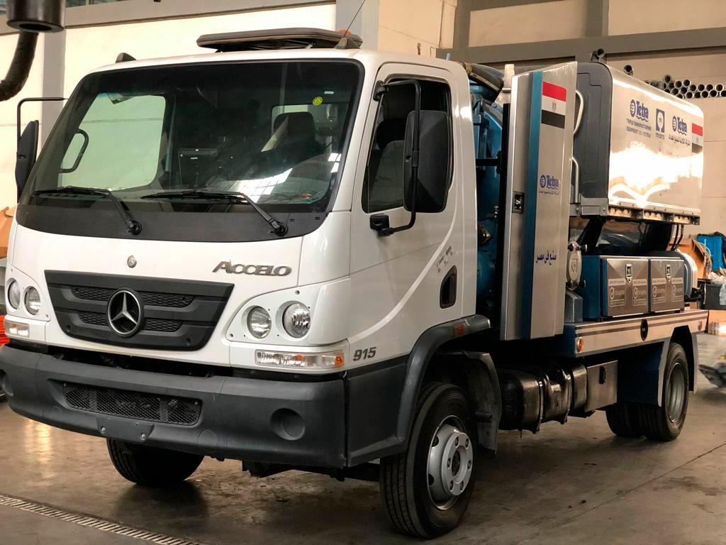 Mercedes-Benz vende caminhões para o Egito