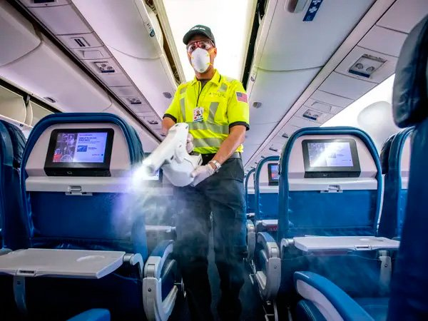 Delta Airlines mostra novos procedimentos de higienização de refeições a bordo