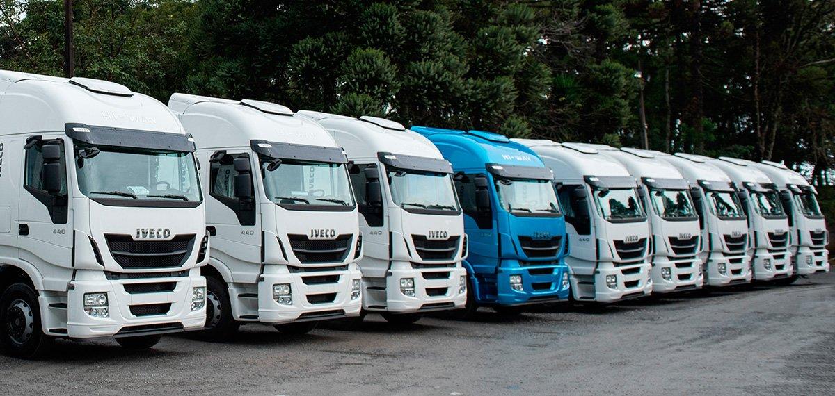 Transportadora paranaense compra 12 caminhões Iveco Hi-Way
