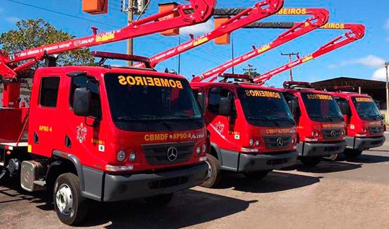 Mercedes-Benz entrega dez unidades dos caminhões Accelo aos Bombeiros de Brasília