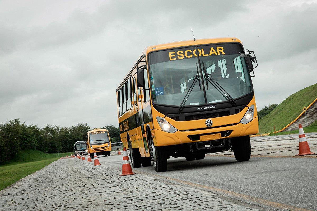 Programa Caminho da Escola recebe mais 300 ônibus VW