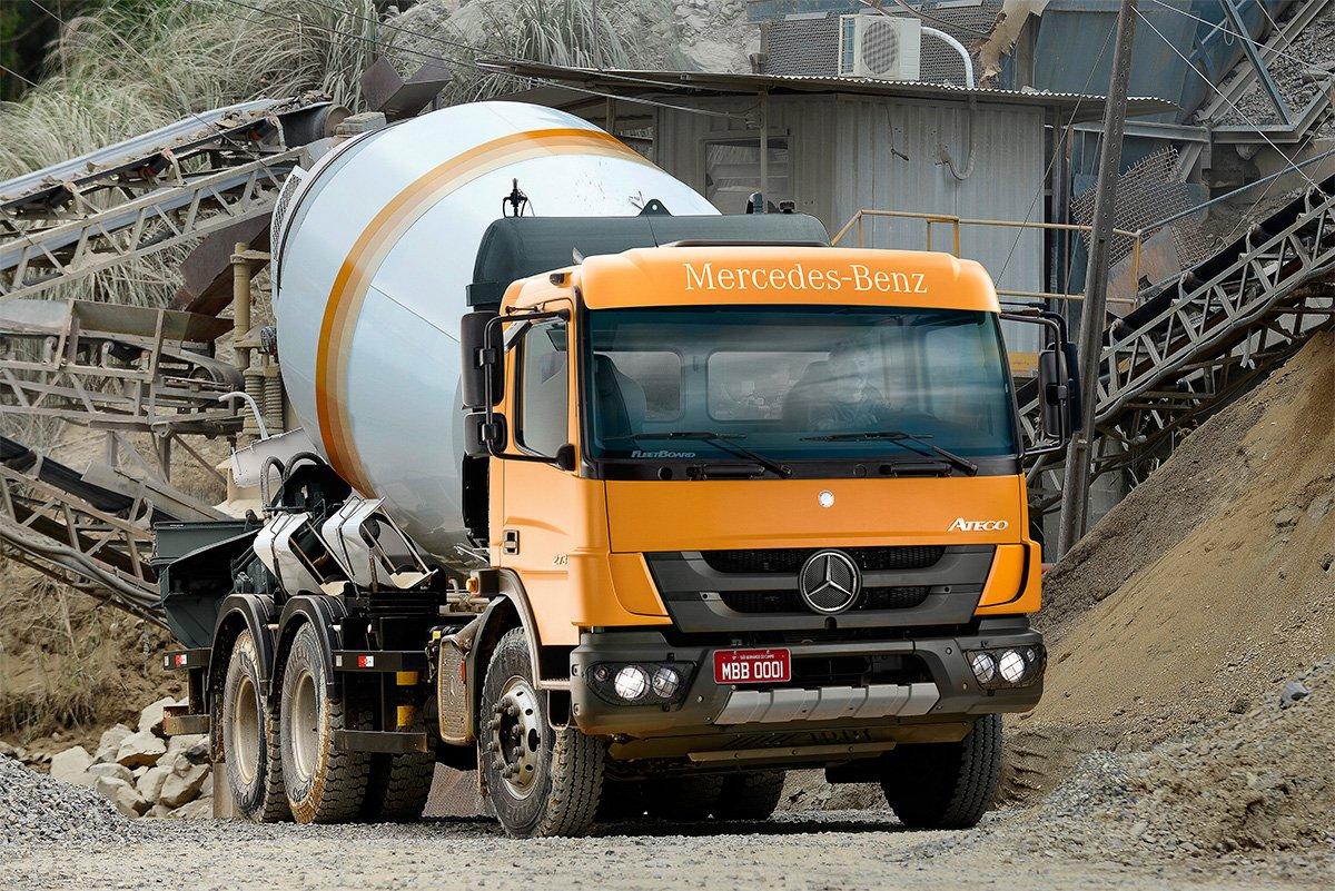 Mercedes-Benz vende 80 de seus Ategos leves para betoneira