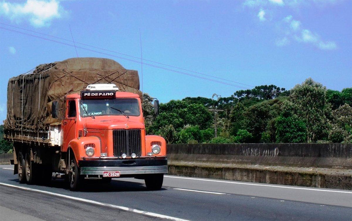 Autônomos têm caminhão duas vezes mais velho que empresas no Brasil