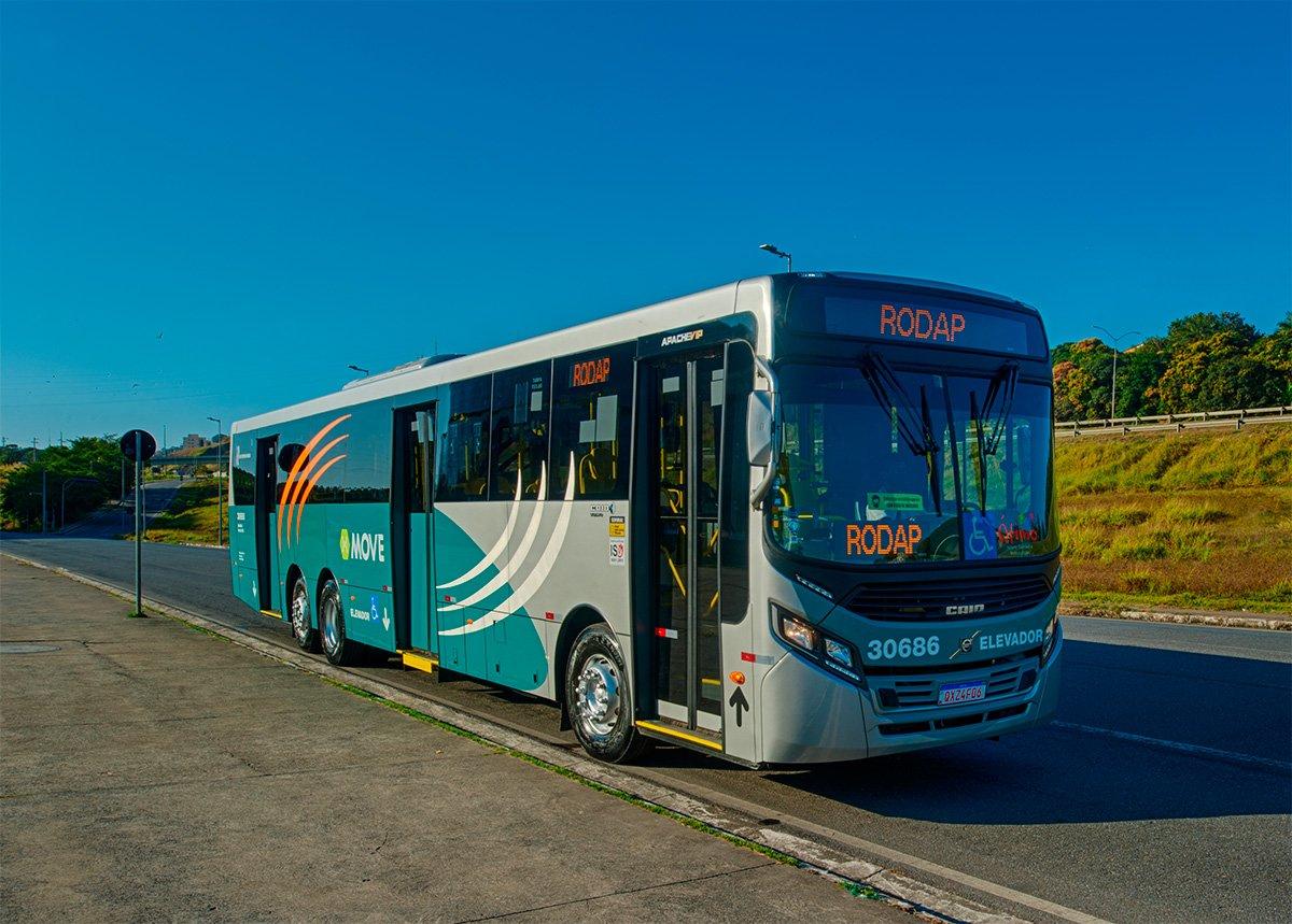 Belo Horizonte recebe seis novos ônibus Volvo de 15 metros