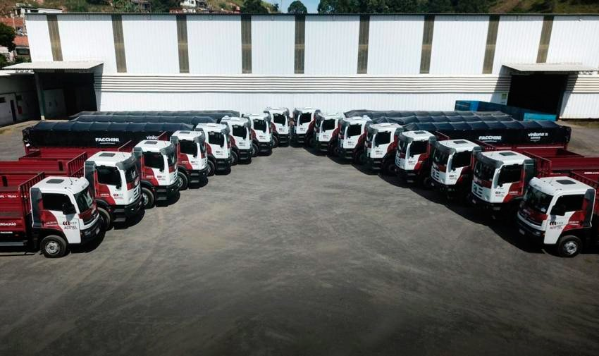 Indústria mineira de aço compra caminhões Volkswagen