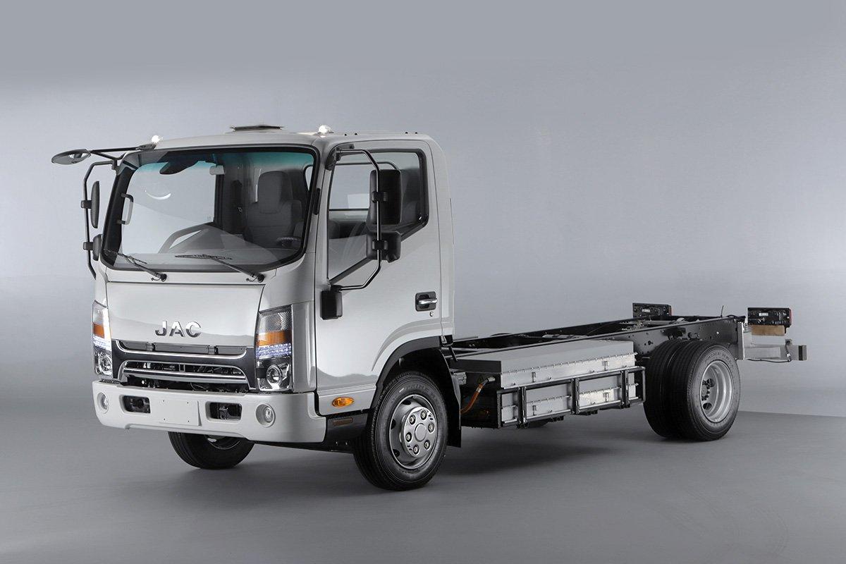JAC Motors traz para o Brasil seu caminhão urbano 100% elétrico