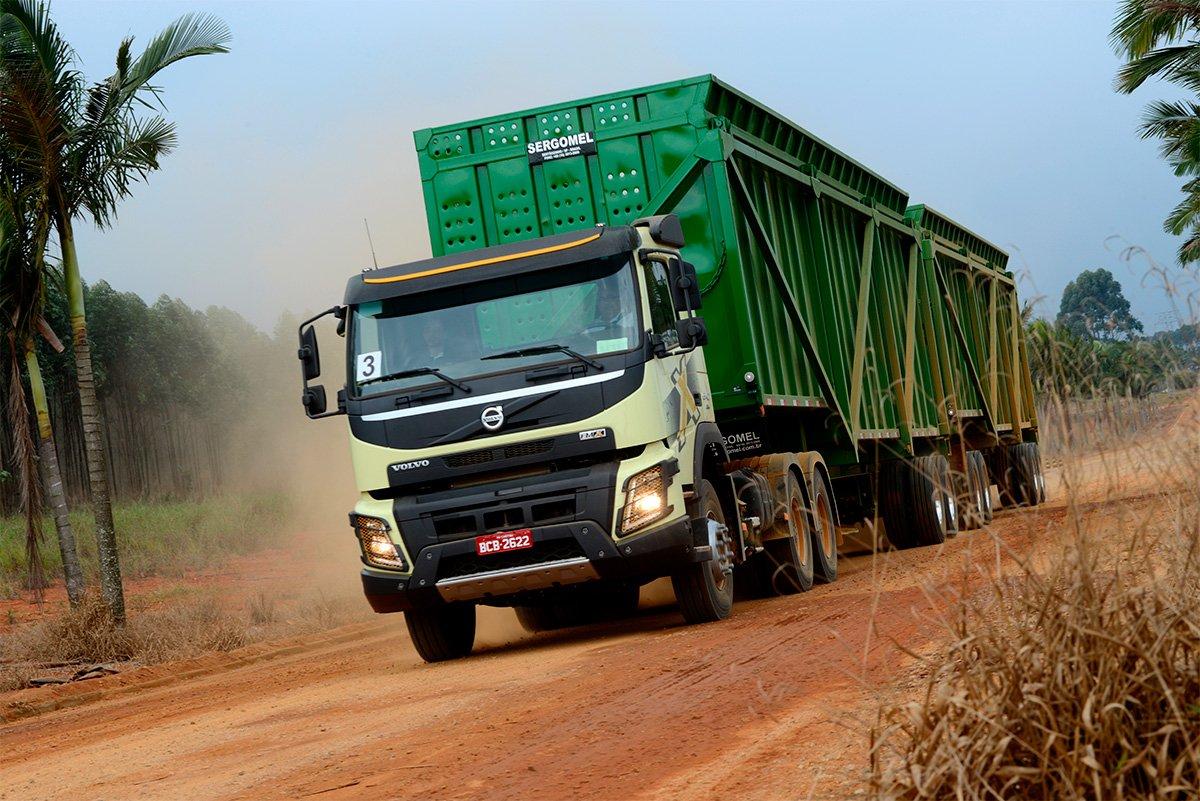 Volvo FMX completa 10 anos de operações severas no Brasil