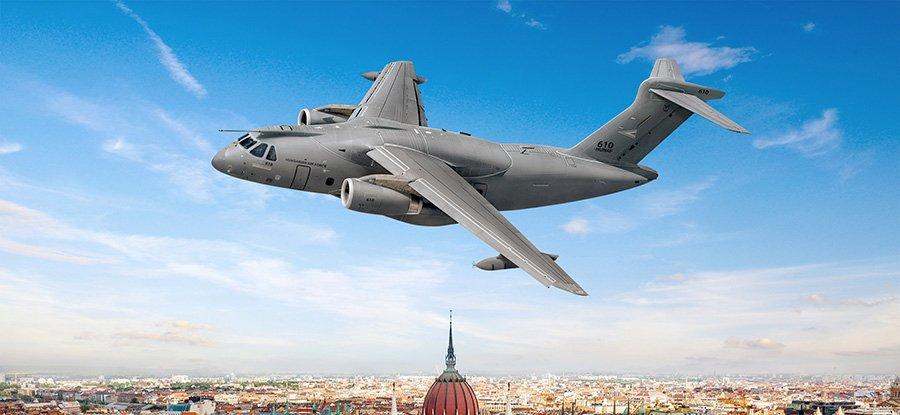 Hungria terá duas aeronaves Embraer KC-390
