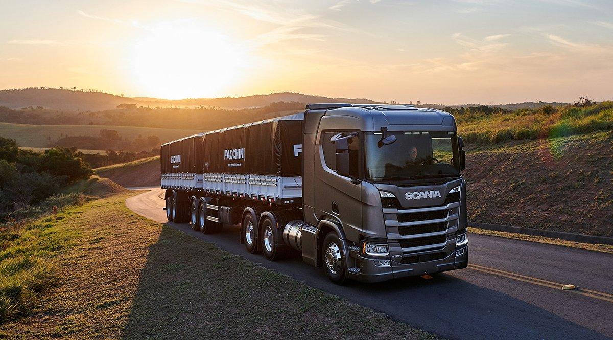 Scania promete mais 5% de economia no diesel com novo acelerador nos caminhões