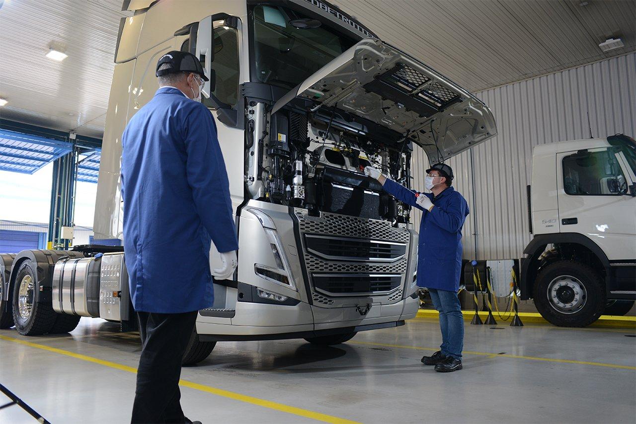 Volvo estreia plano de manutenção flexível para caminhões conectados
