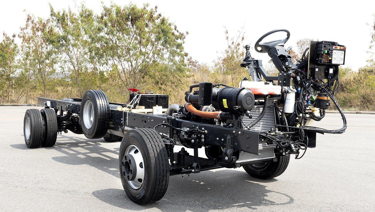 Iveco lança novo chassi de micro-ônibus de 10 toneladas